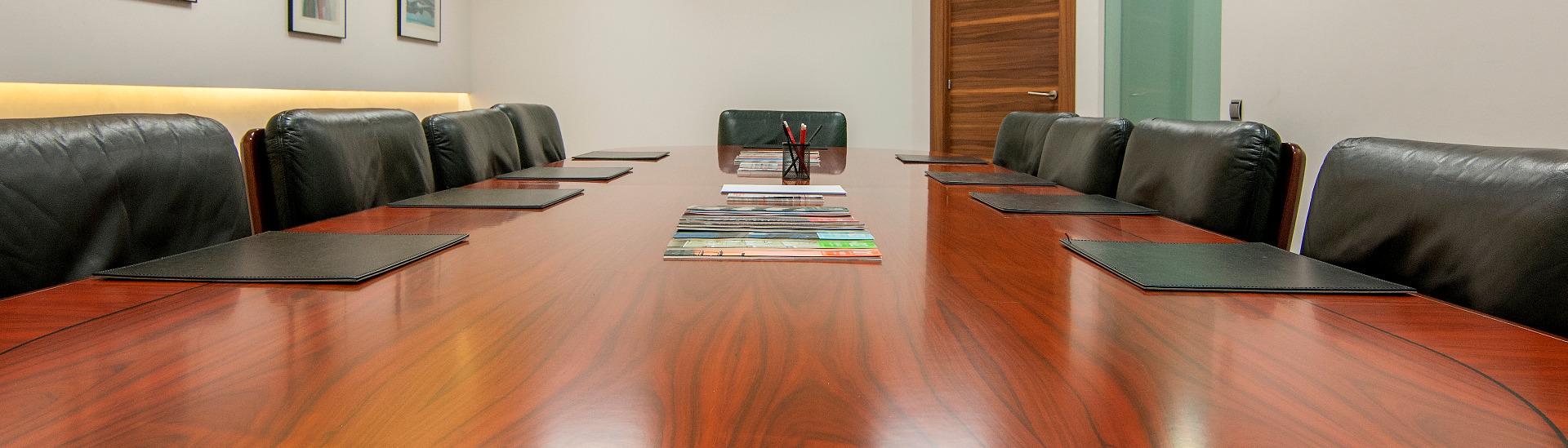 Equipo directivo de la consultora inmobiliaria forcadell for Oficinas de direct seguros